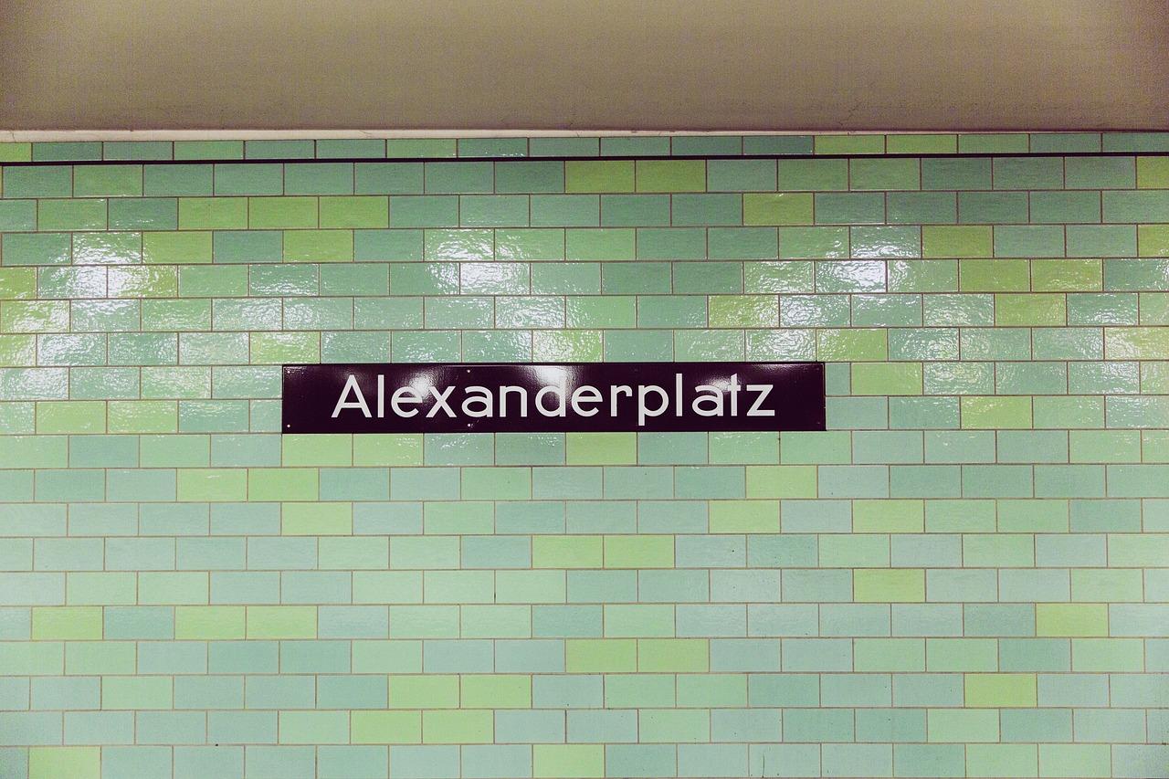 uitgaan, nightlife, discotheek, club, uitgaansleven, stappen, clubs, discotheken, bars, berlijn, duitsland