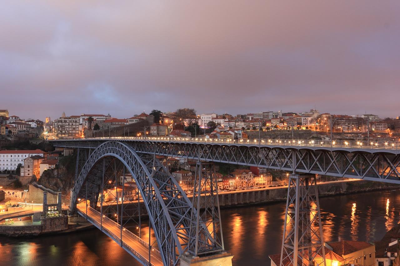 uitgaan, nightlife, discotheek, club, uitgaansleven, stappen, clubs, discotheken, bars, porto, portugal