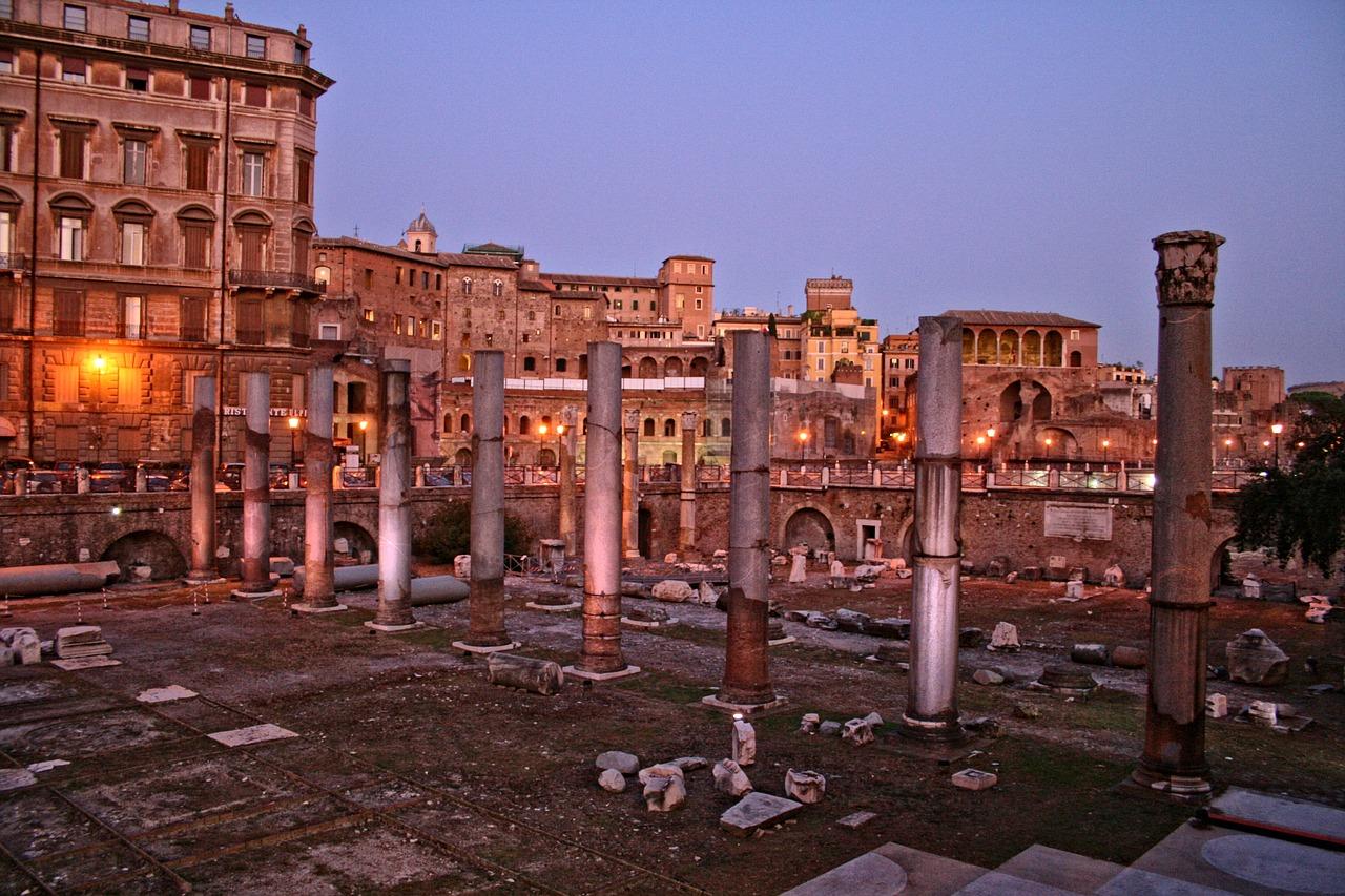 uitgaan, nightlife, discotheek, club, uitgaansleven, stappen, clubs, discotheken, bars, rome, italie